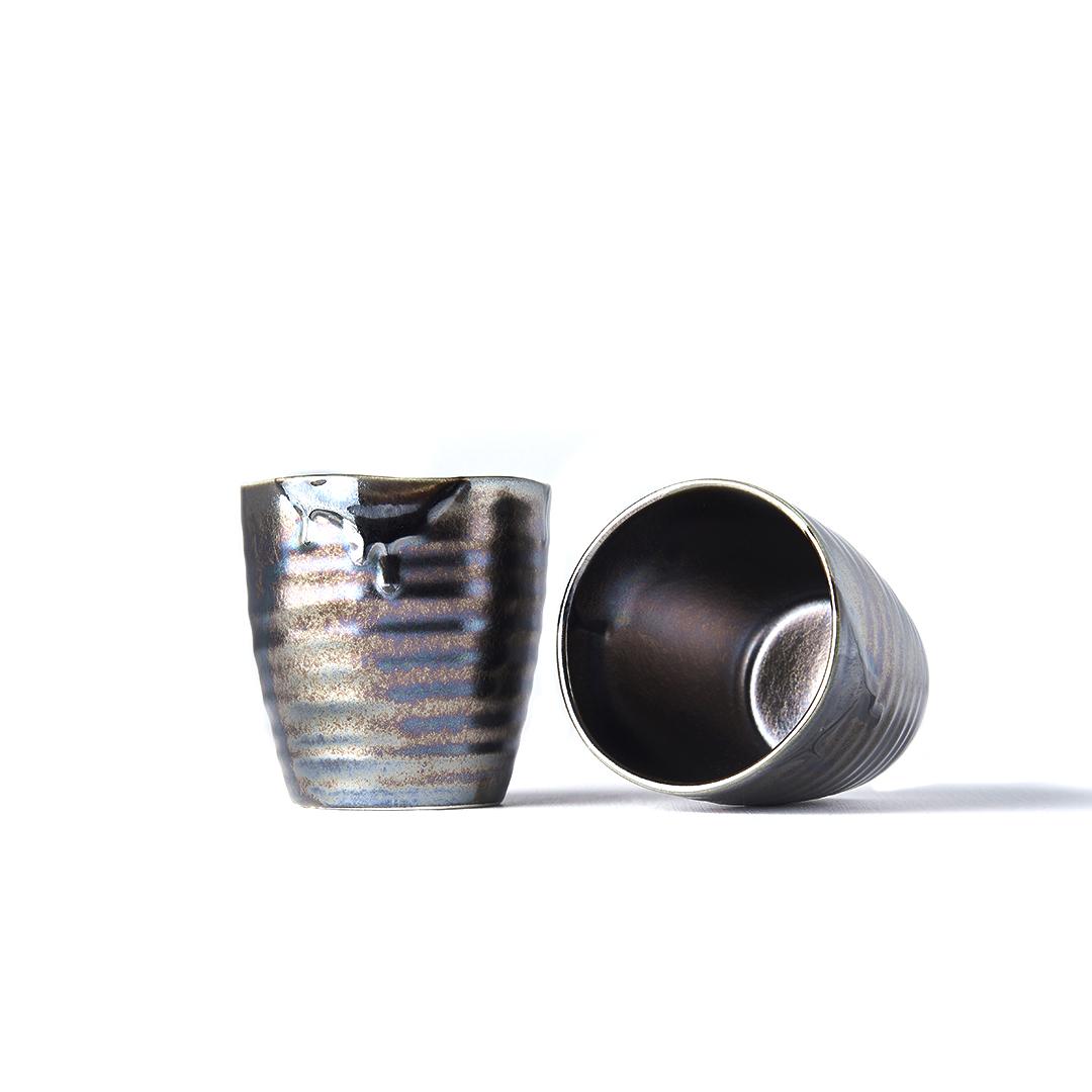 Hrnek s nepravidelným okrajem MUG SUSHI černá metalíza 9 cm
