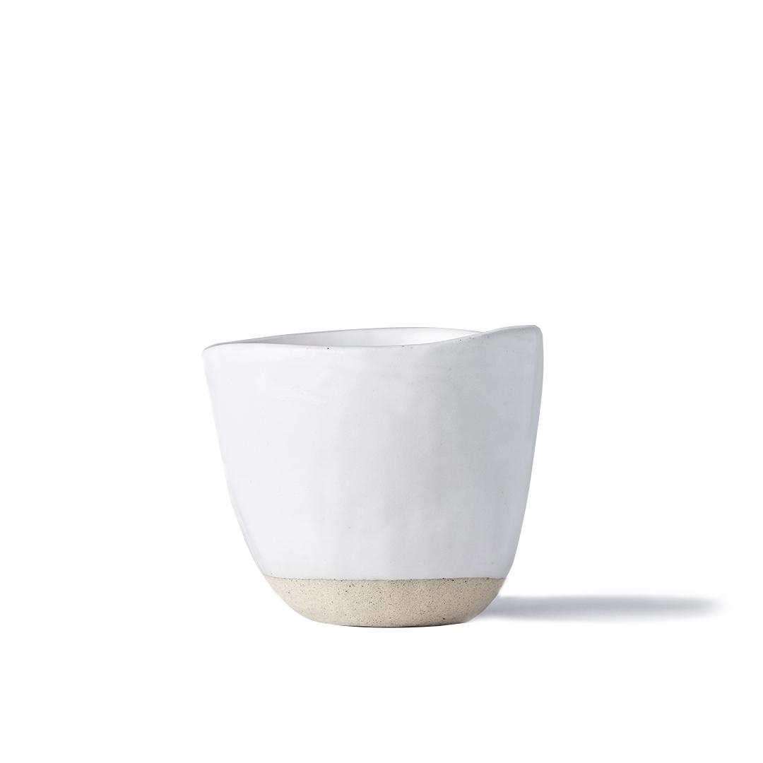 Hrnek bez ucha s nepravidelným okrajem Tea Cup bílý 180 ml